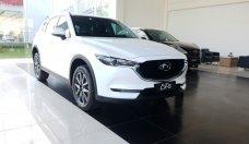 Bán ô tô Mazda CX 5 2.5 2WD 2018, màu trắng, có xe giao ngay, hỗ trợ 90% vay ngân hàng. Lh 0938907088 Toàn Mazda giá 999 triệu tại Tp.HCM
