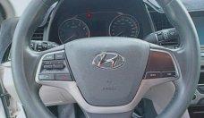 Cần bán xe Hyundai Elantra đời 2017, màu trắng giá 548 triệu tại Bình Dương