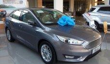 Bán xe Ford Focus Titanium 1.5L đời 2018, xe đủ màu, hỗ trợ mua xe trả góp 80% giá trị xe giá 750 triệu tại Tp.HCM
