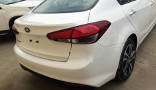 Bán Kia Cerato 1.6 MT Base 2018, màu trắng giá cạnh tranh giá 499 triệu tại Tp.HCM