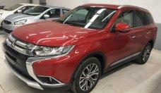 Bán Mitsubishi Outlander 2.0 CVT Premium sản xuất năm 2018, màu đỏ giá 910 triệu tại Hà Nội