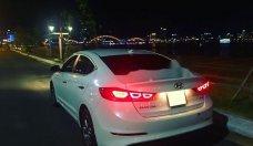 Cần bán Hyundai Elantra sản xuất 2017, màu trắng số tự động giá cạnh tranh giá 570 triệu tại Đà Nẵng