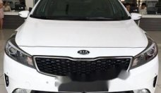 Bán Kia Cerato 1.6 AT đời 2018, màu trắng. LH 0906969445 giá 589 triệu tại Tp.HCM