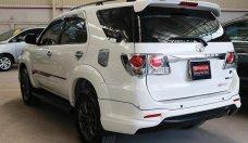 Bán ô tô Toyota Fortuner TRD Sportivo 4x2 AT năm 2015, màu trắng giá 923 triệu tại Tp.HCM