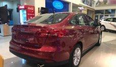 Bán Ford Focus Trend 1.5L đời 2018, màu đỏ, giá 579tr giá 579 triệu tại Tp.HCM