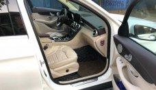 Chính chủ bán xe Mercedes GLC 300 AMG năm sản xuất 2017, màu trắng giá 2 tỷ 30 tr tại Hà Nội