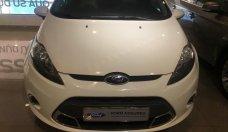 Cần bán Ford Fiesta sản xuất năm 2011, màu trắng giá 370 triệu tại Tp.HCM