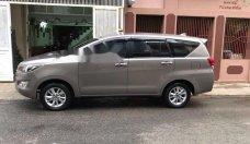 Cần bán Toyota Innova E năm 2016, màu nâu xe gia đình giá Giá thỏa thuận tại Đà Nẵng