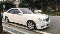 Cần bán lại xe Mercedes-Benz E Class đời 2004, màu trắng, giá 385 triệu nhập khẩu giá 385 triệu tại Hà Nội