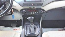Bán xe Kia Rondo GAT đời 2017, màu trắng, giá chỉ 648 triệu giá 648 triệu tại Tp.HCM