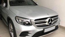 Cần bán xe Mercedes GLC300 AMG 2016, màu bạc zin giá 1 tỷ 860 tr tại Tp.HCM