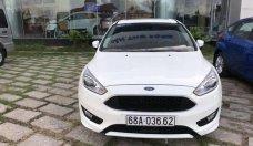Cần bán Ford Focus đời 2015, màu trắng, giá cạnh tranh giá 699 triệu tại Tp.HCM