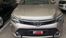 Cần bán xe Toyota Camry đời 2018, màu nâu vàng đi lướt 9.000km giá 995 triệu tại Tp.HCM