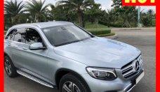 Bán xe Mercedes GLC250 bạc 2016 cũ chính hãng. Trả trước 550 triệu nhận xe ngay giá 1 tỷ 682 tr tại Tp.HCM