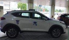 Cần bán xe Hyundai Tucson năm 2018, màu trắng, giá 828tr giá 828 triệu tại Hà Nội
