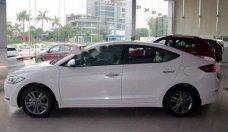 Cần bán xe Hyundai Elantra đời 2018, màu trắng, 565.3 triệu giá 565 triệu tại Khánh Hòa