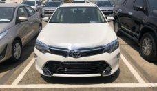Bán Toyota Camry 2.0E sản xuất năm 2018, màu trắng giá 997 triệu tại Tp.HCM