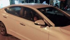 Chính chủ bán Hyundai Elantra năm 2017, màu trắng  giá 560 triệu tại Hà Nội