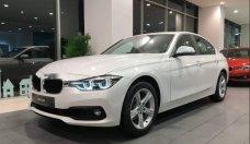 Bán xe BMW 3 Series 320i năm 2018, màu trắng, xe nhập giá 1 tỷ 619 tr tại Tp.HCM