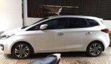 Cần bán xe Kia Rondo năm sản xuất 2017, màu trắng, số tự động giá 560 triệu tại Tp.HCM
