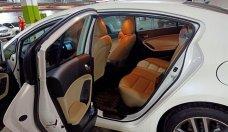Bán Kia Cerato đời 2016, màu trắng, số tự động giá 600 triệu tại Tp.HCM
