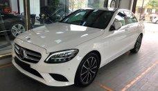 Bán xe Mercedes-Benz GLC C300 sản xuất 2019, màu trắng, số tự động giá 2 tỷ 289 tr tại Hà Nội