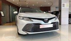Bán xe Toyota Camry 2.5Q 2019, màu trắng, số tự động giá 1 tỷ 29 tr tại Hà Nội