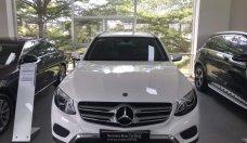 Bán Mercedes GLC200 đời 2019, màu trắng giá 1 tỷ 640 tr tại Tp.HCM