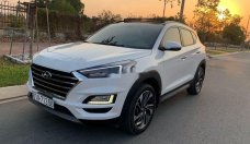 Cần bán gấp Hyundai Tucson 1.6 Turbo năm 2019, màu trắng giá 889 triệu tại Bình Dương