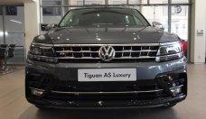 Cần bán xe Volkswagen Tiguan Luxury đời 2019, màu xám, nhập khẩu chính hãng giá 1 tỷ 799 tr tại Tp.HCM