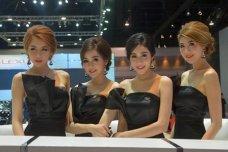 Dàn mỹ nhân xinh đẹp đốt cháy Bangkok motorshow 2015