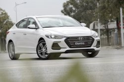Đánh giá xe Hyundai Elantra Sport 2018 bản Việt