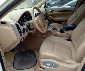 Cần bán lại xe Porsche Cayenne S đời 2010, màu trắng, nhập khẩu chính chủ