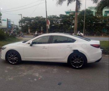 Bán Mazda 6 2.0 Premium đời 2018, màu trắng, nhập khẩu nguyên chiếc xe gia đình