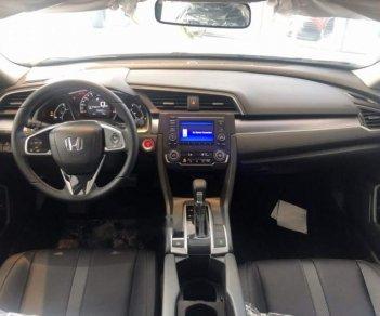 Bán Honda Civic RS năm sản xuất 2019, màu trắng, xe nhập