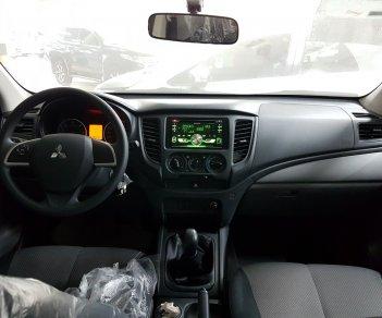 Cần bán xe Mitsubishi Triton 2.5L đời 2019, màu trắng, khuyến mại cực lớn