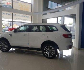Bán xe Ford Everest Titanium 2.0L 4x2 AT đời 2019, màu trắng, xe nhập