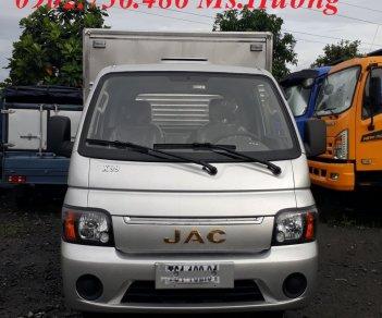 JAC X99 990kg, thùng kín máy xăng, giá mềm