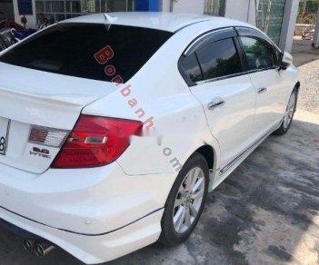 Cần bán Honda Civic AT đời 2013, màu trắng chính chủ