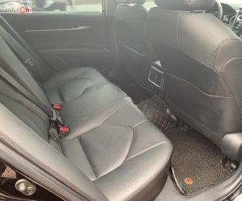 Bán Toyota Camry 2.5Q đời 2019, màu đen, xe nhập