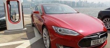 Tesla thu hồi xe hơi do lỗi kỹ thuật ở hệ thống lái