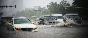 Những điều cần lưu ý khi xe hơi bị ngập nước