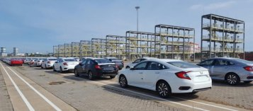 Nhiều đơn đặt hàng xe hơi nhập khẩu bị hủy vì thiếu nguồn cung