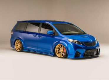 Ngắm mẫu Toyota Sienna minivan độ bánh vàng sang như chuyên cơ