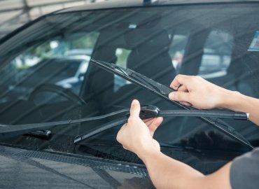Chăm sóc ô tô thế nào khi mùa mưa đến?